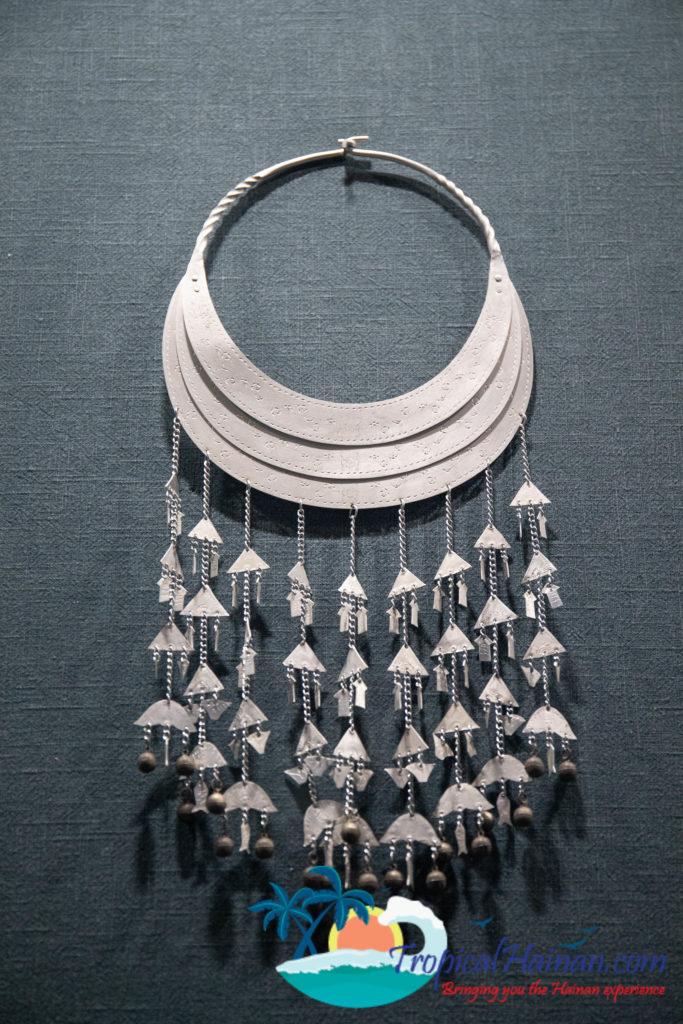 Li Minority culture on Hainan Island, an in-depth guide part 4 jewellery (3)
