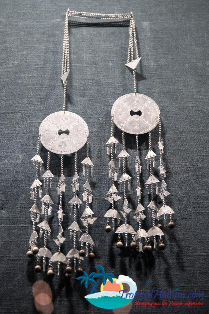 Li Minority culture on Hainan Island, an in-depth guide part 4 jewellery (4)