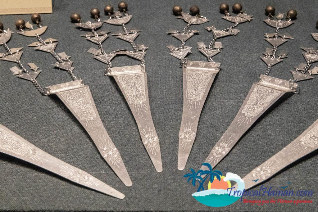 Li Minority culture on Hainan Island, an in-depth guide part 4 jewellery (7)