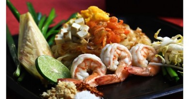 Top restaurants in Sanya Baan Rim Nam Pad Thai