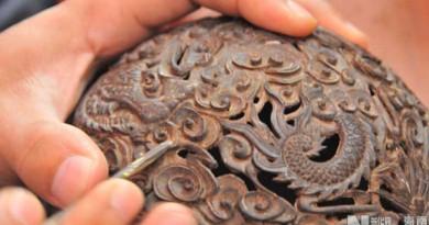 Hainan Coconut Carving