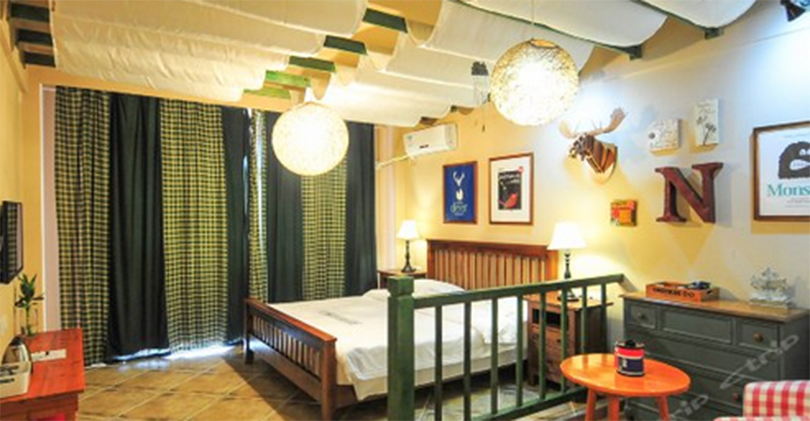 Hostels in Sanya, Sanya Dadonghai Onlyblue Art Inn