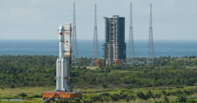 Tianzhou-1: Long March 7 rocket arrives in Wenchang