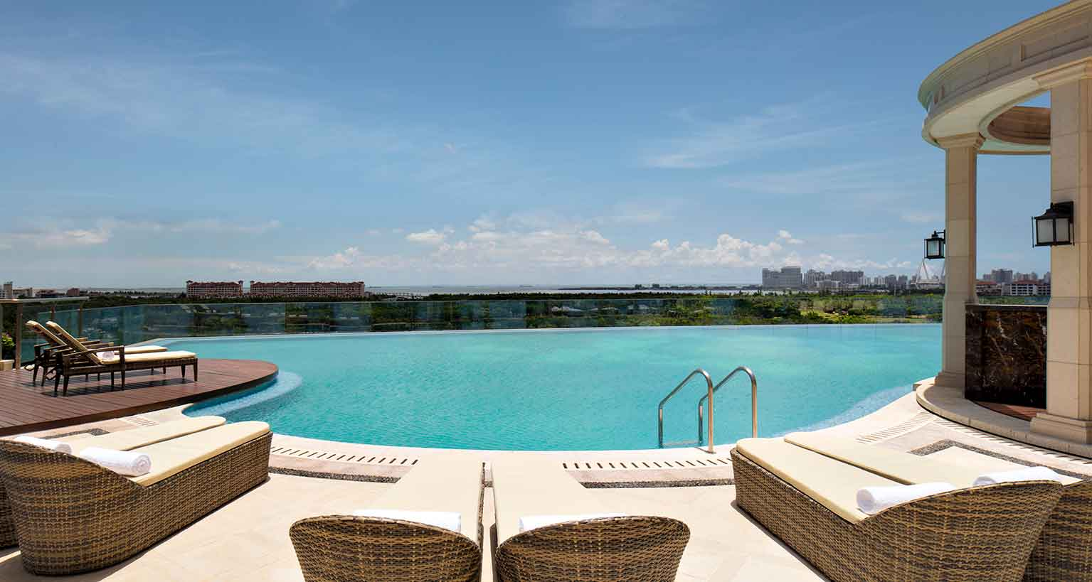 The Langham Hotel Haikou swimming pool