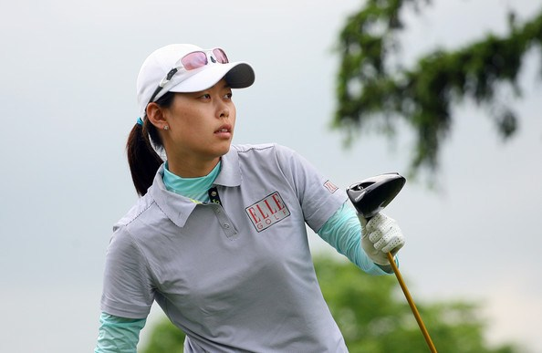 Sun Young Yoo shot a 7-under 65 to take a one-stroke lead at Blue Bay LPGA