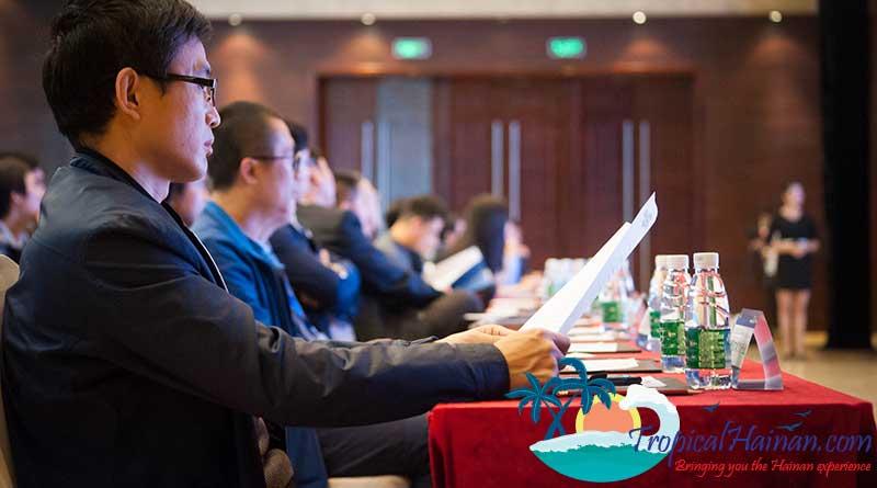 Dec 23rd, The 2017 Hainan Island Overseas Business Elite Summit held in new HNA building, Haikou