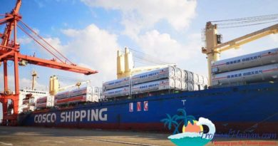 A-first-in-the-industry,-130-LNG-tank-containers-are-shipped-to-northern-China