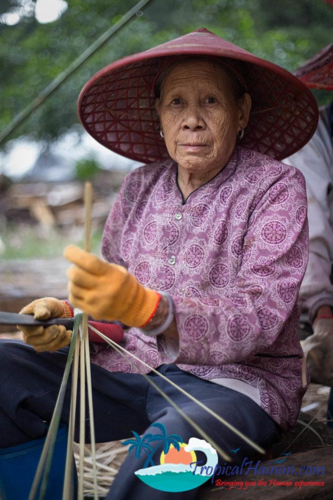 An introduction to Li Minority culture on Hainan Island China (1)