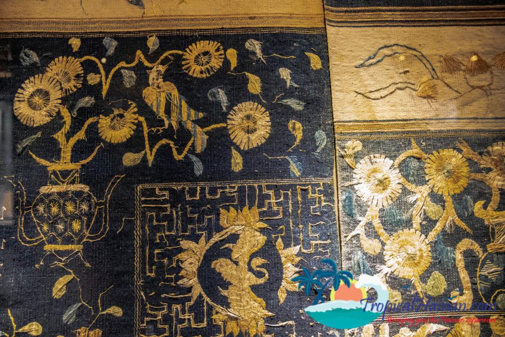 Li Minority textiles Dragon Quilt Dragon and Phonenix pattern (2)