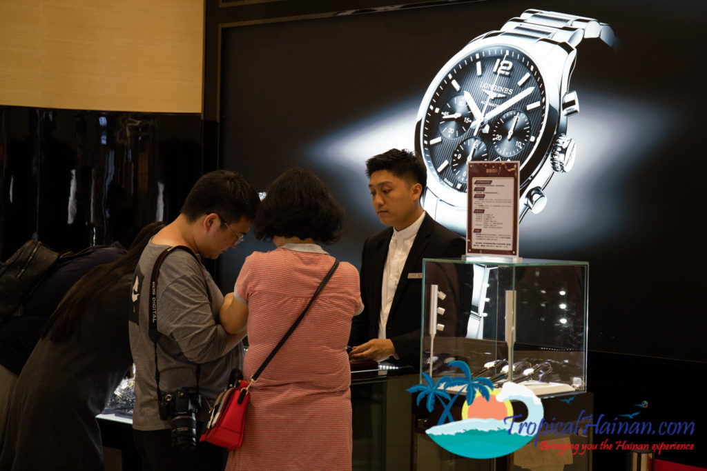 Haikou duty-free store opens with record sales over New Year (6)