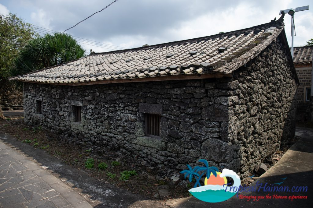 A maze of volcanic stone, discover Mei xiao village (19)