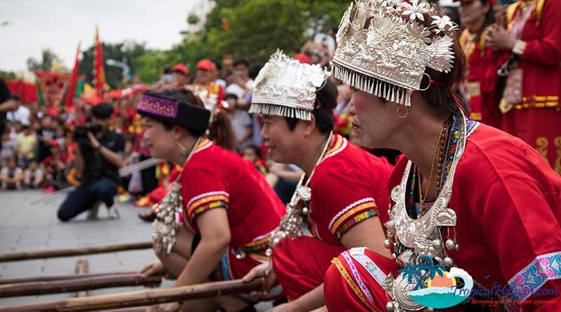 International community in Haikou enjoy the Madam Xian Cultural Festival