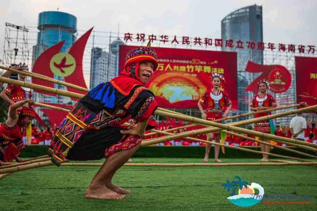 Bamboo dance 12
