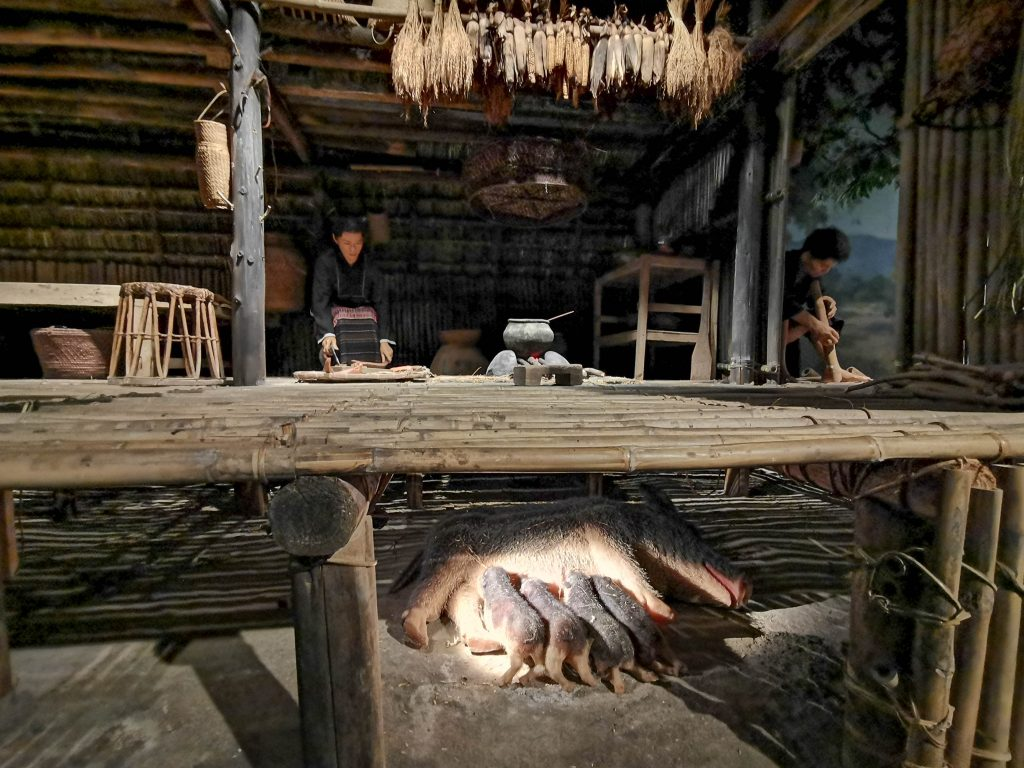 Life in a village in ancient times in Hainan Hainan Museum