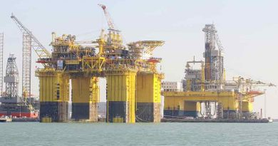 Lingshui semisub CIMC, world's largest gas production platform on its way to Hainan
