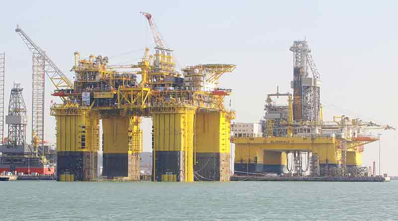 Lingshui semisub CIMC, world's largest gas production platform on its way to Hainan