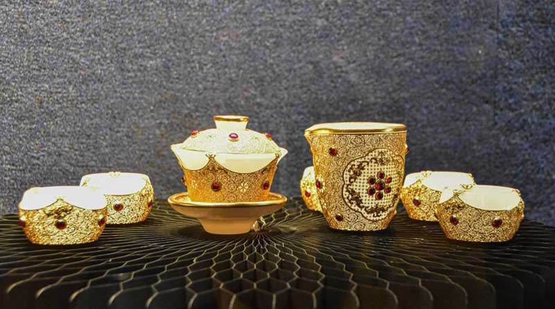 Exhibition of artworks made with filigree inlay techniques opens at Hainan Museum 2
