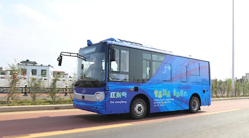 The-autonomous-driving-bus-had-made-the-first-trial-run-in-Haikou-Jiangdong-New-Area1