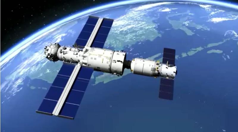 A model showing Tianzhou 2 docking with space station