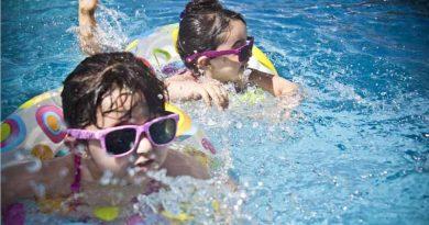 Swimming in schools hainan
