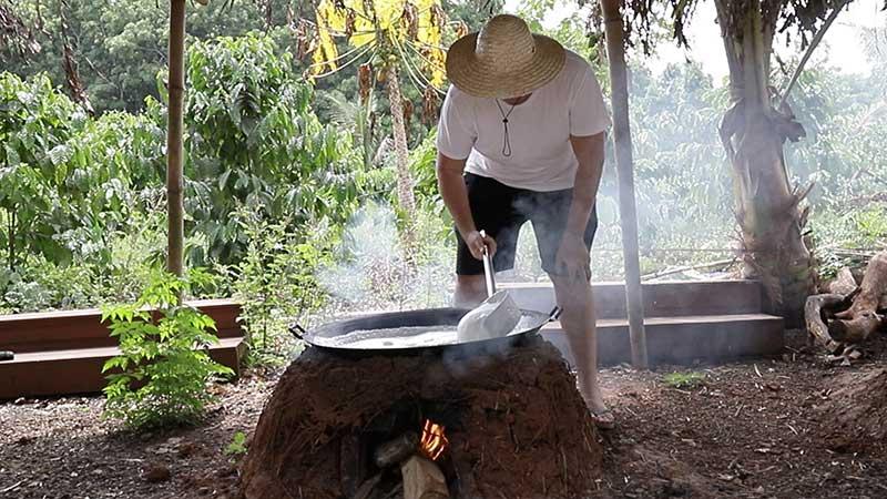 Making tofu in Baoliang village, the traditional way